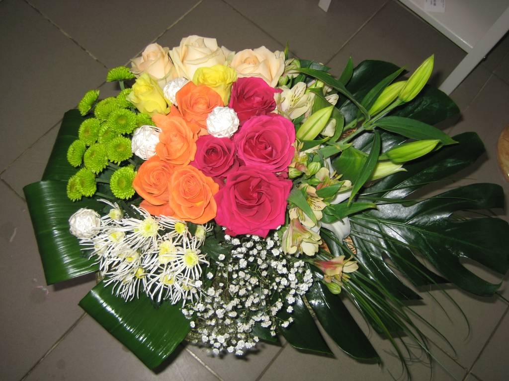 маске живые цветы оптом в каменске уральском блондинка Катя сосет