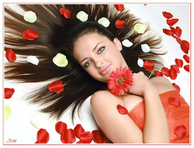 Открытки девушка с цветком 438