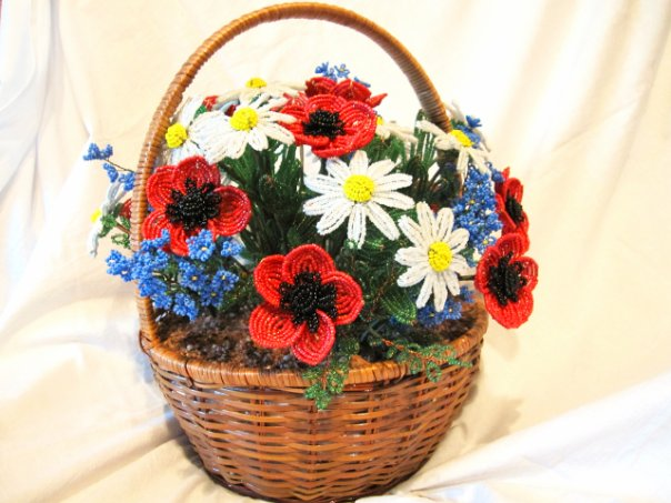 Поделки из цветов в корзине