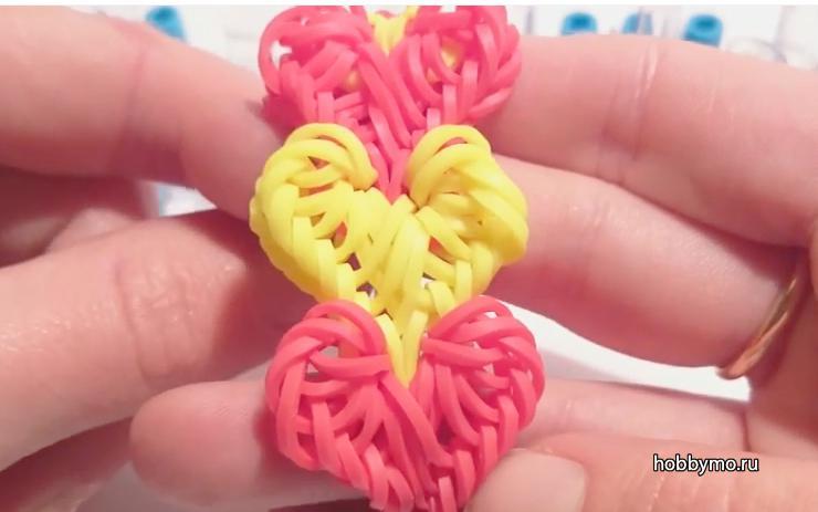 Плетение резиночками сердечек