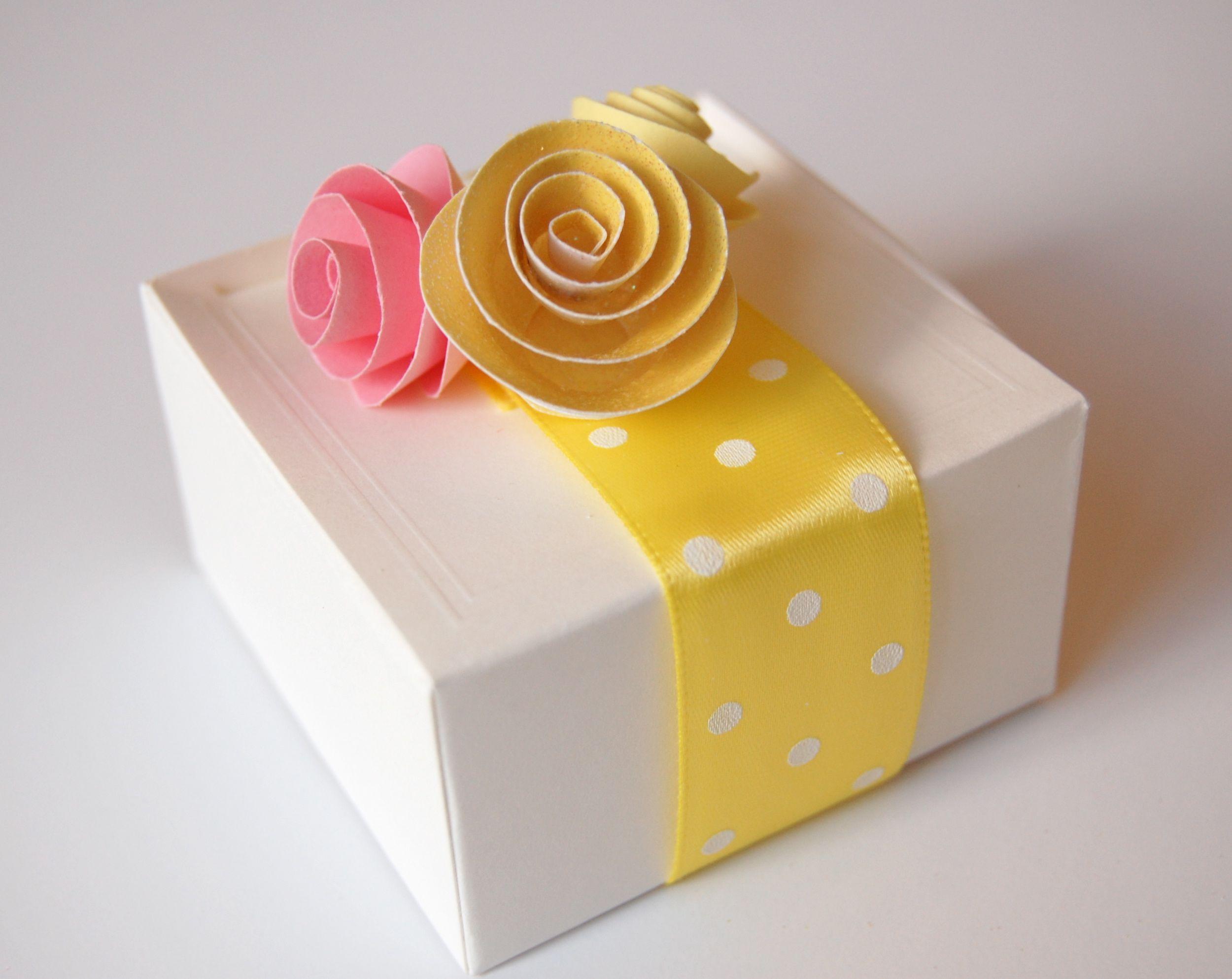 Цветы с сюрпризом из бумаги
