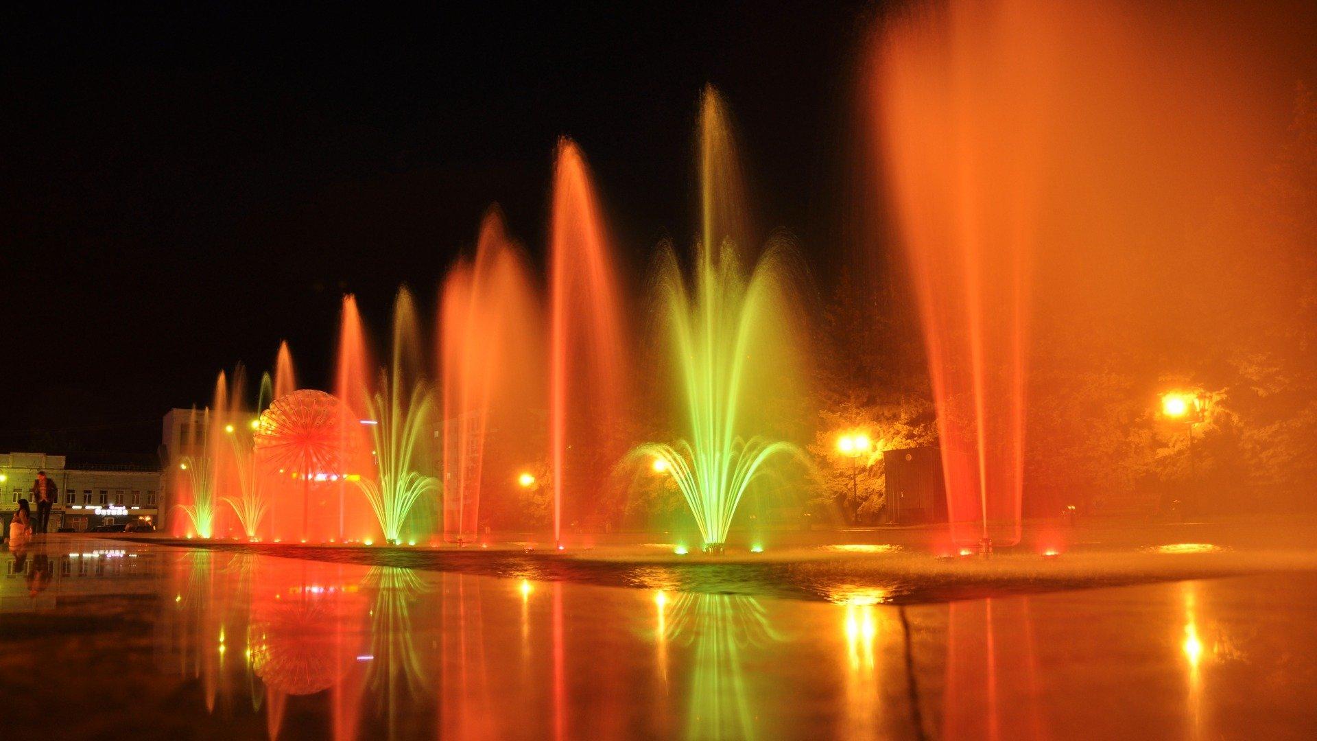 нас очень красиаые слова про фонтан для